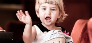 بدن کودک دو ساله به چه غذاهایی احتیاج دارد؟