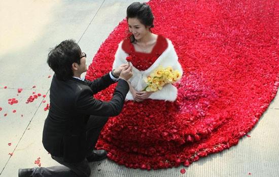 عجیب ترین و عاشقانه ترین خواستگاری های جهان + عکس