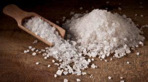 در کارهای منزل نمک چه کاربردهایی دارد؟