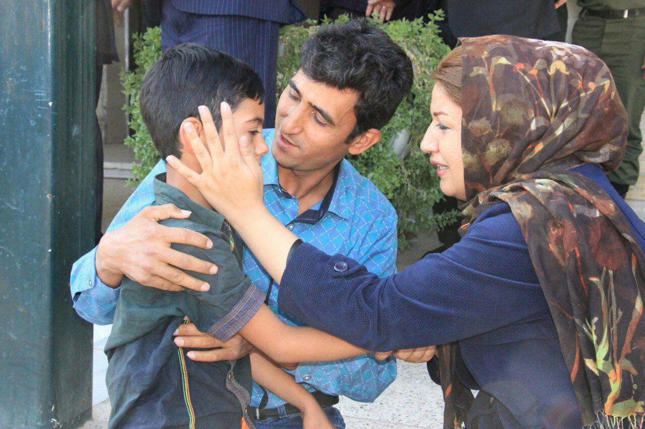 بازگشت امیر علی به آغوش مادر