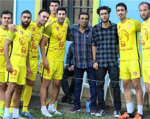 نصرالله رادش و علاقه به فوتبال