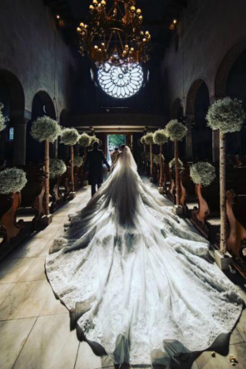 لباس عروس میلیاردی