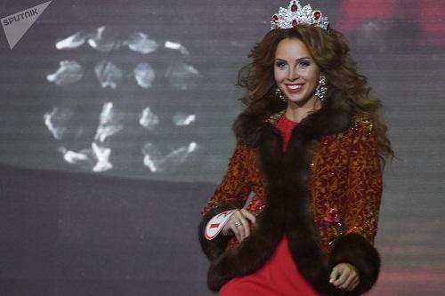پولینا دوبروا زیباترین دوشیزه سال 2017