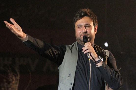 بستری شدن خواننده محبوب در بیمارستان