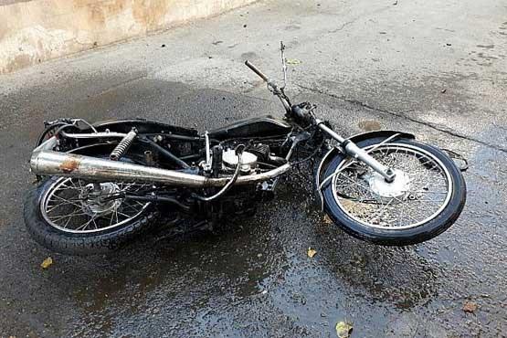 آتش گرفتن ناگهانی موتورسیکلت
