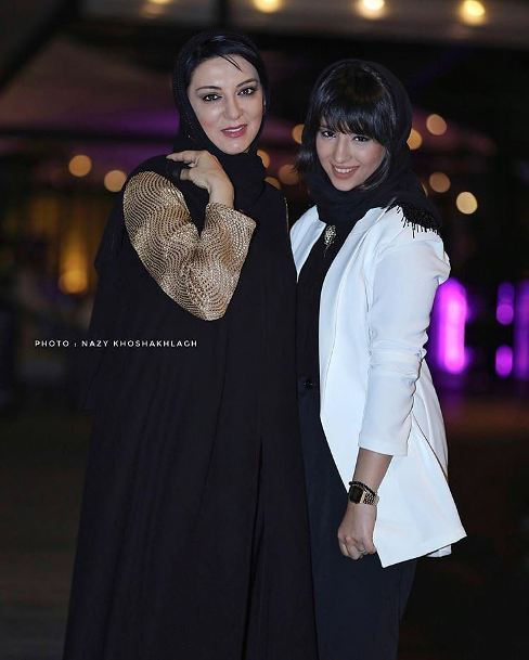 عکس یاسمین اوسیوند در کنار مادرش