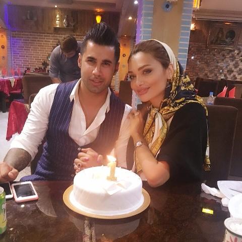 محسن فروزان در کنار همسرش