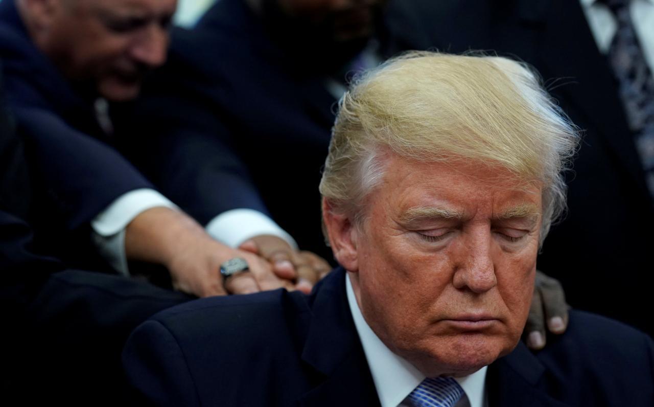نیایش ترامپ برای بازماندگان طوفان هاروی