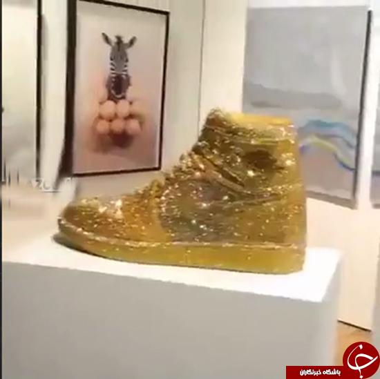 کفش با روکش طلا ساخت شرکت نایک