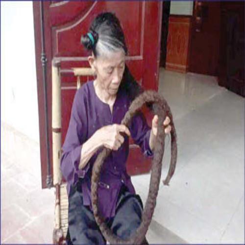 موهای سه متری عجیب و غریب پیرزن 81 ساله