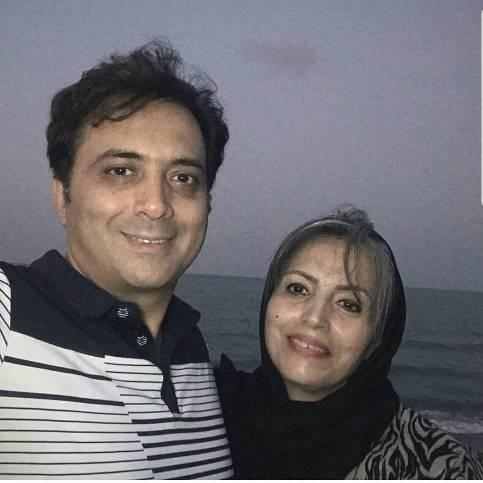 مجید اخشابی در کنار خانواده