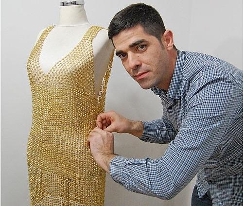 لباسی از جنس طلا