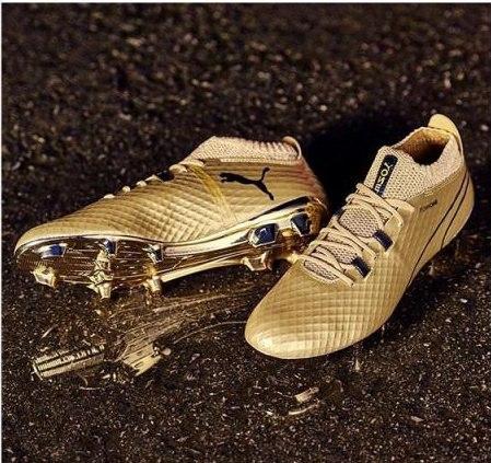 تصویر جدید از کفش طلای ورزشی