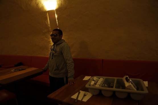 رستورانی تاریک و ترسناک
