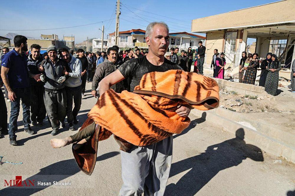 تصاویر غمبار از حادثه دیدگان زلزله کرمانشاه