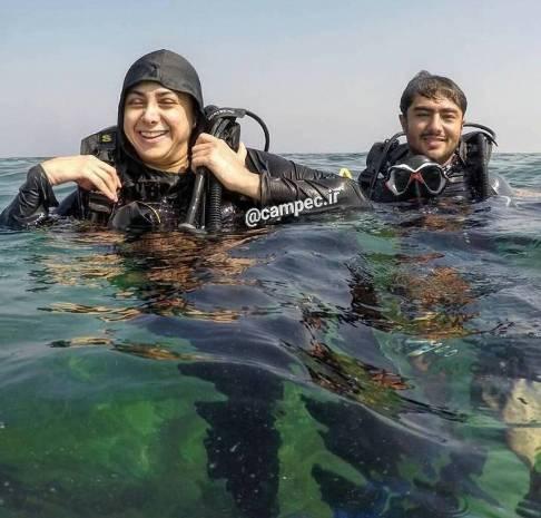 شنا کردن آزاده صمدی
