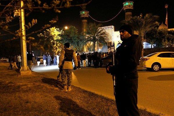 حمله افراد مسلح به نمازگزاران پاکستانی