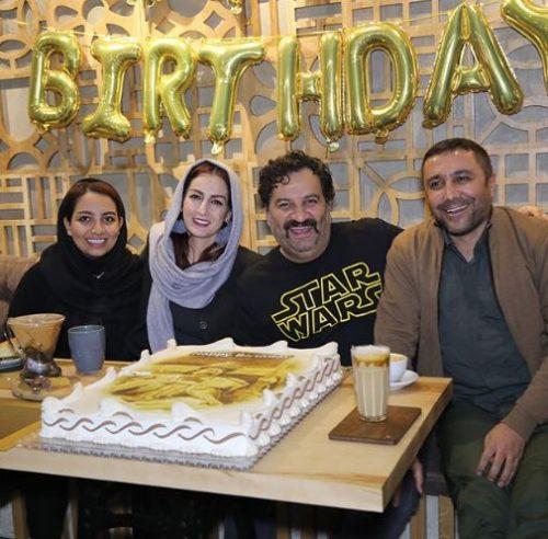 جشن تولد مهراب قاسم خانی در یک کافه