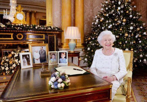 عکس جدید از ملکه الیزابت در جشن کریسمس 2017