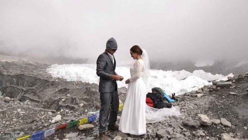 ازدواج متفاوت بر فراز اورست