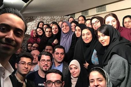 المیرا شریفی مقدم در میان دانشجویان