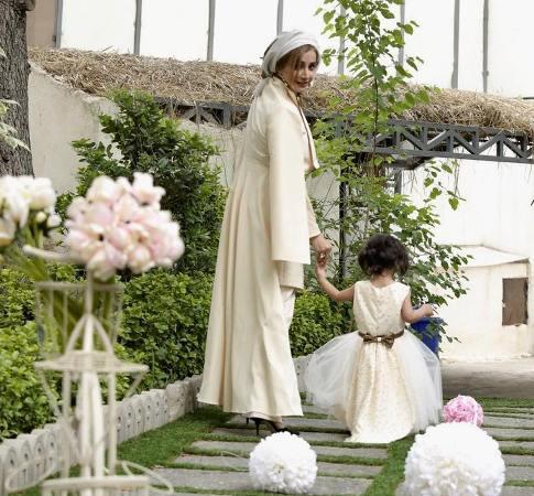 تازه ترین تصویر از شبنم قلی خانی و فرزندش