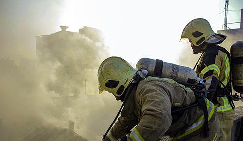 آتش سوزی پاساژ قدیمی بازار تهران,علت آتش سوزی پاساژ قدیمی بازار تهران,آتش سوزی در بازار تهران 22 بهمن