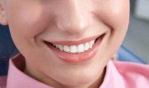 چگونه خط خنده را بدون جراحی از بین ببریم