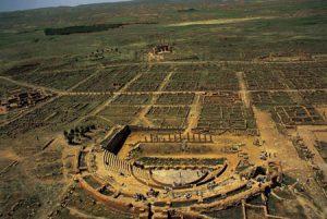 یک شهر باستانی مملوء از مخروبه های تاریخی، تیمگاد