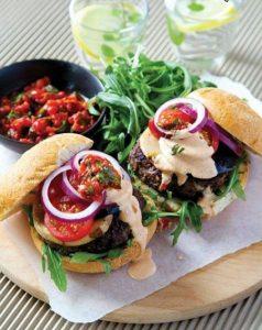 طرز تهیه همبرگر سالم و خانگی برای کدبانوها