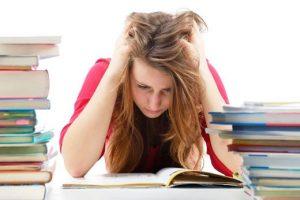 8 نکته برای درس خواندن در شب امتحان