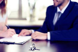 چگونه به یک فروشنده ی حرفه ای و موفق تبدیل شویم؟