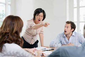 با ساختن مرز شخصی برای خود رفتار دیگران را مؤدبانه کنید