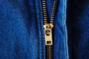 مراقبت از لباس ها با چند شیوه ی ساده