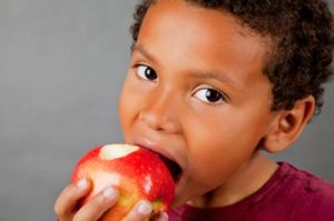 فواید باورنکردنی سیب برای کودکان و نوزادان