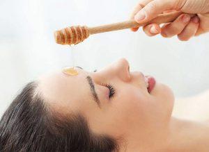 فواید عسل برای پوست های خشک و پیر شده