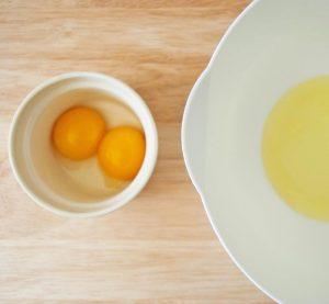 شیوه ای متفاوت برای طبخ تخم مرغ بسیار خوشمزه