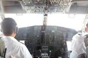 علت درگیری دو خلبان پرواز مشهد نجف ماجرای زد و خورد خلبان و کمک خلبان