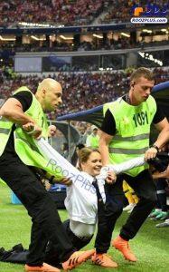 عکس دختری که در فینال جام جهانی جیمی جامپ کرد,جیمی جامپ جام فینال جهانی 2018,دختر جیمی جامپ فینال جام جهانی 2018